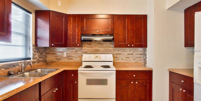 9220-N-52nd-st-Tampa-Florida-33617-14