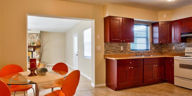 9220-N-52nd-st-Tampa-Florida-33617-16