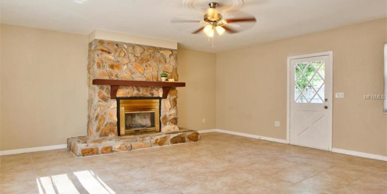 9220-N-52nd-st-Tampa-Florida-33617-17