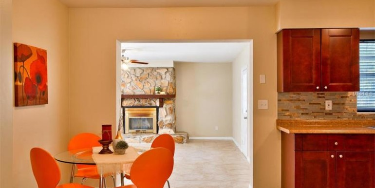 9220-N-52nd-st-Tampa-Florida-33617-20