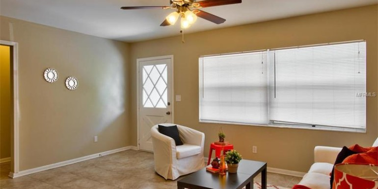 9220-N-52nd-st-Tampa-Florida-33617-21