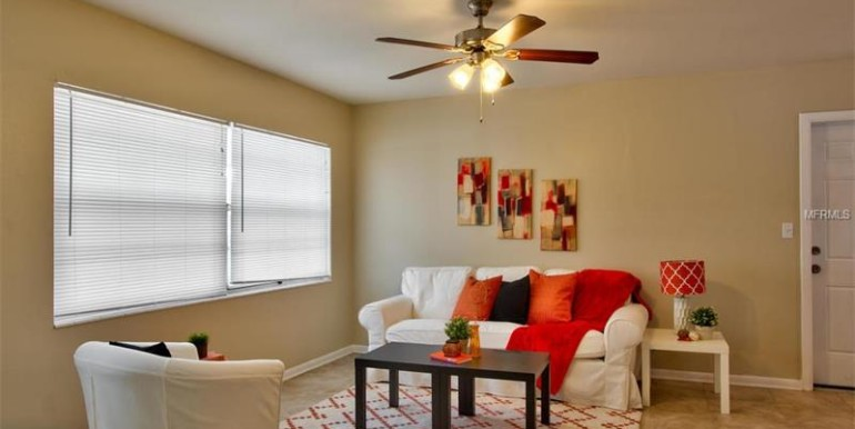 9220-N-52nd-st-Tampa-Florida-33617-22