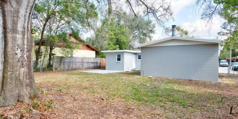 9220-N-52nd-st-Tampa-Florida-33617-4