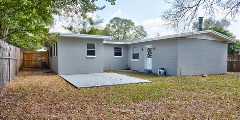 9220-N-52nd-st-Tampa-Florida-33617-5