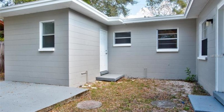 9220-N-52nd-st-Tampa-Florida-33617-6