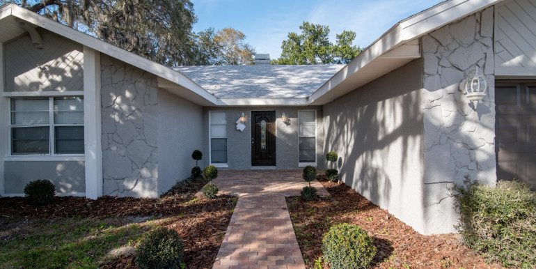 708 13th Ct SW Largo FL 33770-large-005-5-Front Entry Detail-1498x1000-72dpi