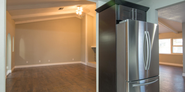 708 13th Ct SW Largo FL 33770-large-009-9-Dreat Room  seen from Kitchen-1498x1000-72dpi