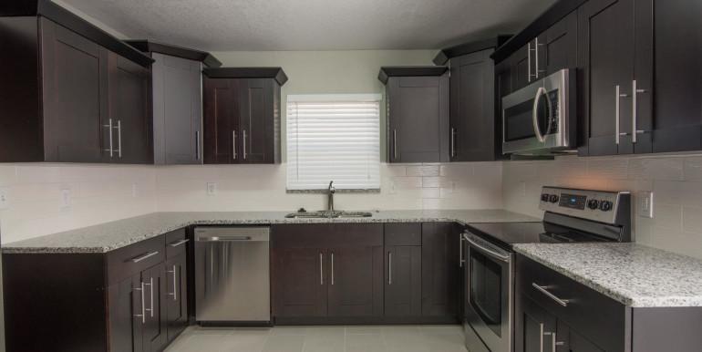 708 13th Ct SW Largo FL 33770-large-010-4-Kitchen-1498x1000-72dpi