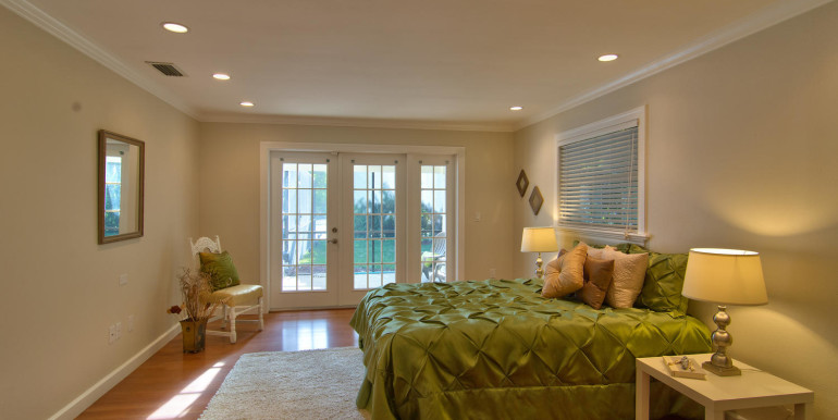 1865 S Jessica Rd Clearwater-large-011-19-Master Bedroom-1500x1000-72dpi