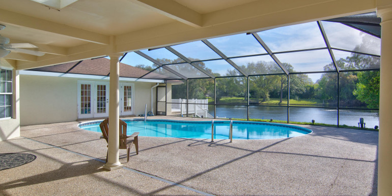 1865 S Jessica Rd Clearwater-large-023-16-Enclosed Pool-1500x1000-72dpi