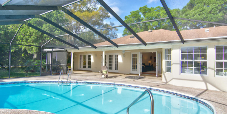1865 S Jessica Rd Clearwater-large-024-18-Enclosed Pool-1500x1000-72dpi