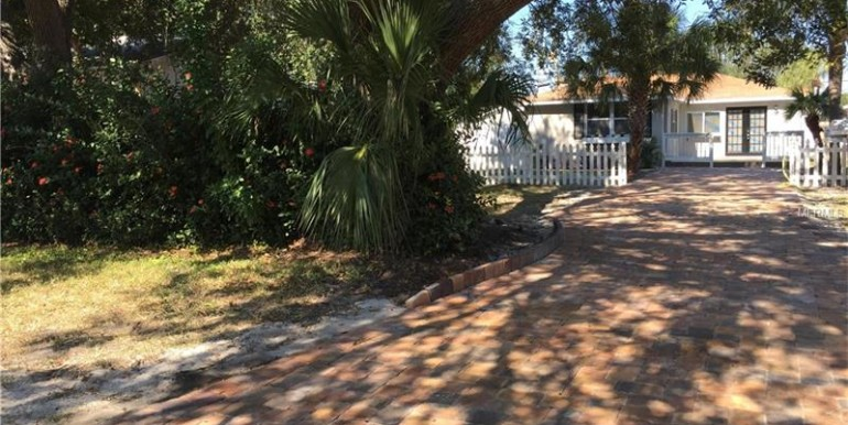 445-88th-ave-n-st-petersburg-florida-33702-1