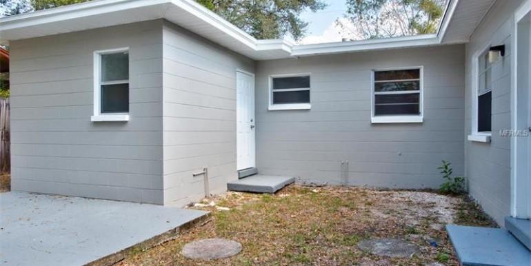 9220-N-52nd-st-Tampa-Florida-33617-6