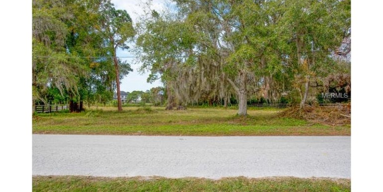 highland-avenue-tarpon-springs-florida-34688-1